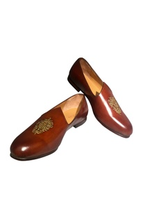 handcrafted-pure-leather-jutti-style-shoes