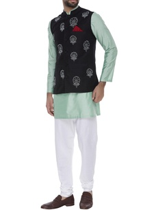 waistcoat-with-contrast-embroidery