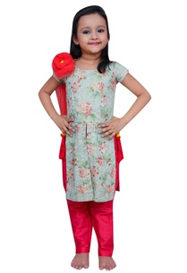 printed-kurta-with-flower-attached-dupatta-and-pants