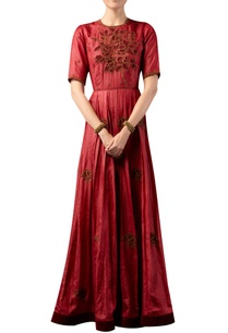 rose-motif-embroidered-gown