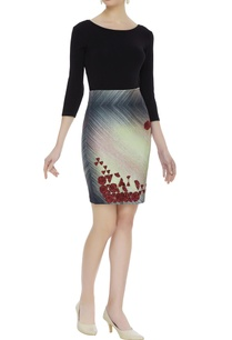 knit-mini-skirt-with-embroidery