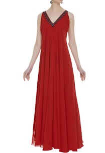sleeveless-gown-with-embellished-neckline