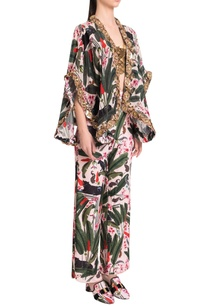 printed-palazzos-with-side-slits