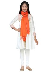 chanderi-embroidered-kurta-set