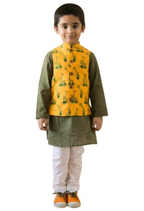 safari-printed-nehru-jacket-set