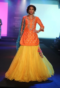embroidered-short-kurta-with-skirt-and-dupatta