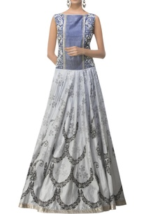 embroidered-gown-with-block-print