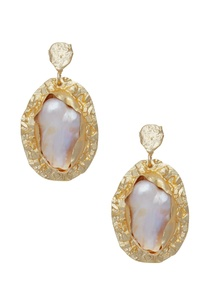 pearl-earrings-with-melted-finish