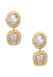 mini-pearl-earrings