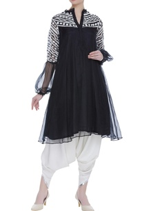 embroidered-tunic-with-puff-sleeves