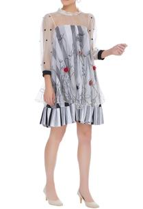 floral-embroidered-short-dress
