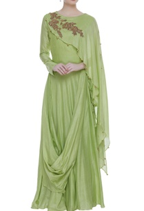 draped-skirt-and-blouse-with-one-sided-cape