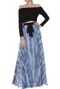 off-shoulder-blouse-with-block-printed-skirt
