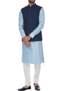 linen-nehru-jacket-with-reversible-zari-brocade-side