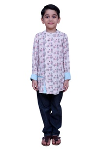 printed-short-kurta-with-side-button-placket