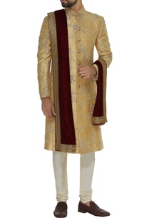 embroidered-sherwani-with-velvet-stole