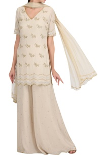 floral-embroidered-kurta-with-flared-pants-dupatta