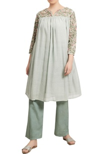 thread-embroidered-kurta-with-pants