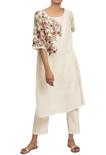 jaal-embroidered-kurta-set