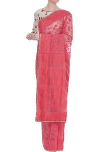 jamdani-sari-with-floral-embroidered-blouse