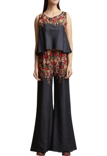 floral-embroidered-sleeveless-jumpsuit