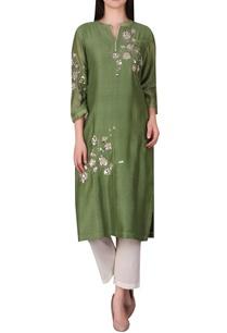 floral-motif-embellished-kurta
