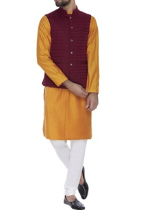 zari-embroidered-sleeveless-nehru-jacket