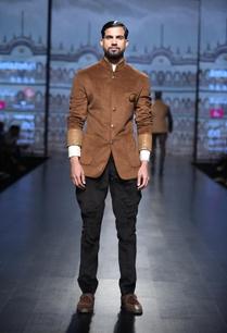 velvet-jodhpuri-jacket