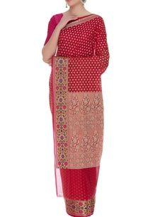classic-sari-with-unstitched-blouse