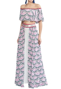 crane-printed-off-shoulder-blouse-with-pants