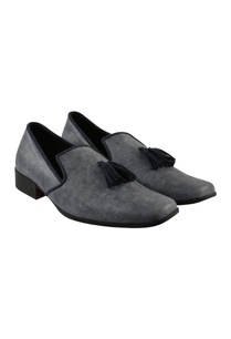 suede-loafers-with-tassels