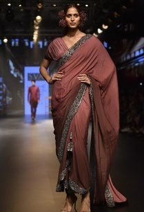 embellished-sari-with-pleated-blouse
