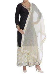 embroidered-kurta-with-chanderi-palazzo-pants-dupatta