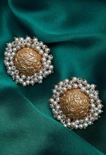circular-design-stud-earrings