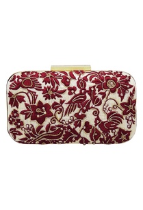 resham-parsi-gara-hand-embroidered-clutch-box
