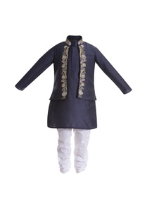 zardozi-embroidered-jacket-with-kurta