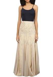 pleated-fit-flared-embroidered-skirt