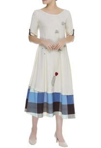 cotton-dress-with-checkered-hem