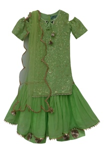 embroidered-kurta-with-dupatta-sharara