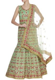 hand-embroidered-mermaid-style-anarkali-gown