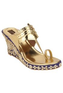 floral-embroidered-wedges