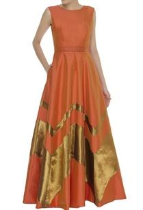 golden-chevron-flowy-gown