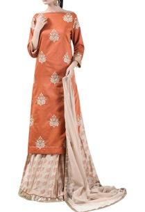 embroidered-kurta-with-block-printed-lehenga-dupatta