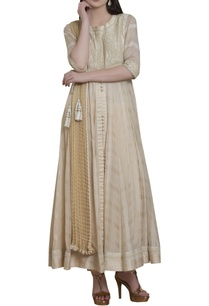 embroidered-anarkali-kurta-set-with-waistbelt