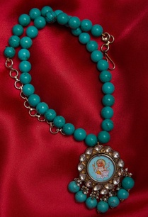 kundan-pendant-necklace-with-painted-image