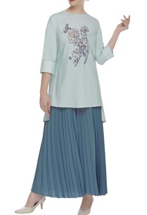 embroidered-loose-fit-blouse