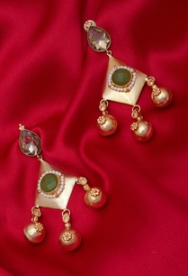 danglers-with-green-crystal