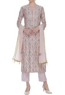 jaal-aari-embroidered-kurta-set