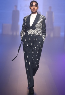 hand-embroidered-lapel-collar-jumpsuit