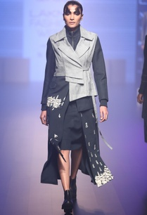 hand-embroidered-lapel-jacket